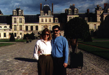 Couple at Chateau de Fountainebleau